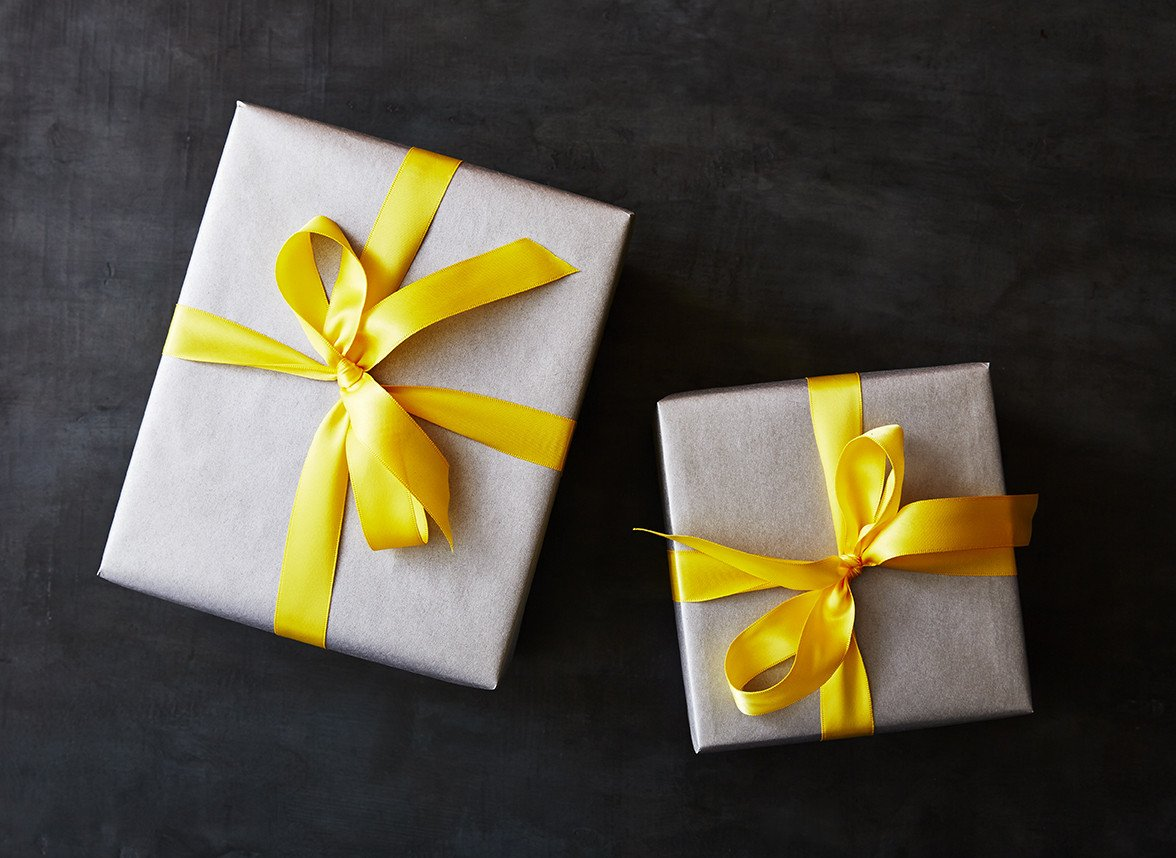 Its Photo Blankets Vs Explosion Boxes For The Most Unique Gift Ideas